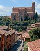 A view into Siena leads you and then up again to it's beautiful cathedral.